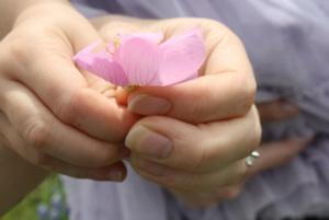 holding-flower